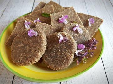 Cracker alla Chufa senza glutine e alimenti di origine animale